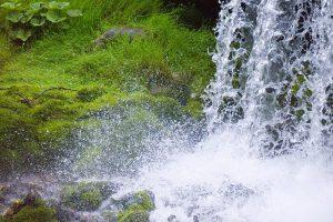 waterfall-853968_640
